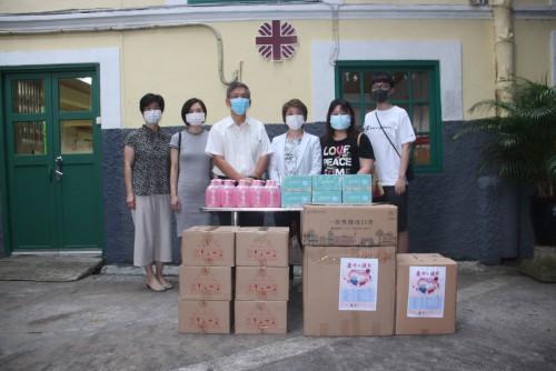 AIMMIE、瘋紙、飛瀑堂捐贈防疫物資